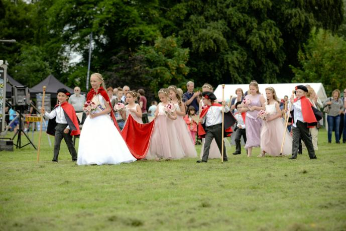 Thelwall Rose Queen 2016 - Mike Moss Photography-321-X3